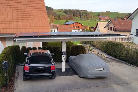 carport mit photovoltaik und ladestation. Black Bedroom Furniture Sets. Home Design Ideas